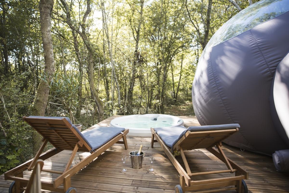 Week End Bulle Transparente Bretagne dormir dans une bulle avec jacuzzi privatif | enredada