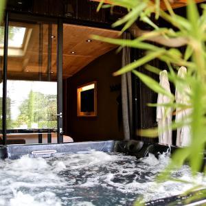 Chambre luxe avec spa privatif au coeur de la Bourgogne
