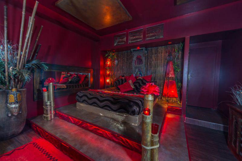 Louer chambre romantique marseille pour deux avec jacuzzi et hammam introuvable for Chambre romantique paca