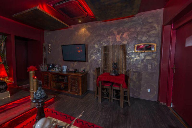 Louer chambre romantique marseille pour deux avec for Photo chambre romantique