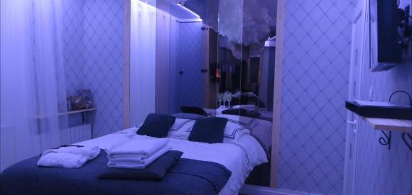 Nuit romantique dans suite avec jacuzzi au coeur de Lyon