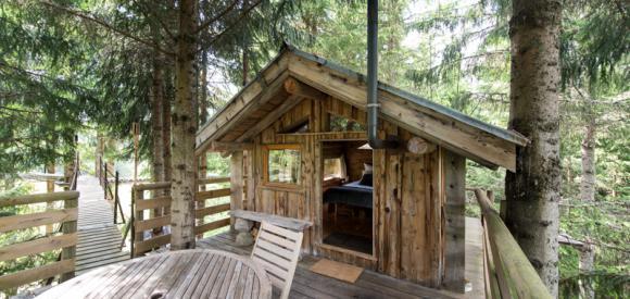 Cabanes dans les arbres avec vue et bain norvégien, Annecy