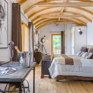 Cabane insolite pour deux avec jacuzzi et terrasse, Clairac