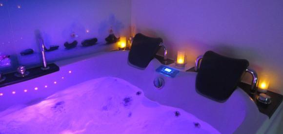 Suite de charme avec balnéo-spa privative, à Carsan dans le Gard