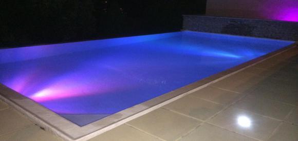Suite romantique avec jacuzzi et piscine