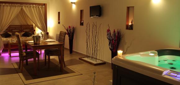 Suite romantique avec jacuzzi et sauna, Beaucaire