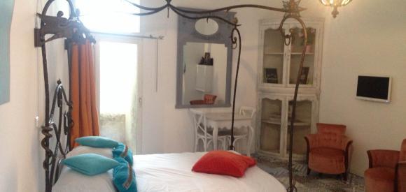 Belle chambre dans les jardins Vieux port, Marseille