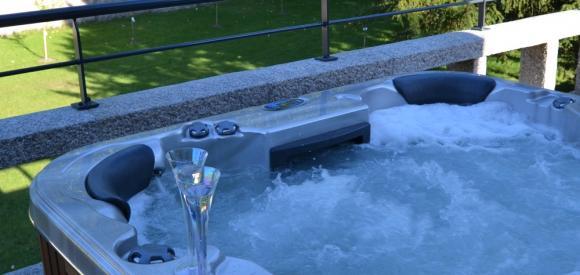 Suite luxueuse avec terrasse et spa privatif, proche du Mont St Michel