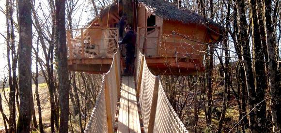 Cabane perchée avec tyrolienne, Pompignac