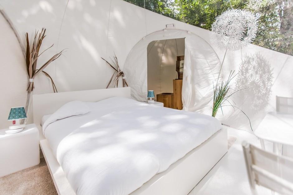 dormir dans une bulle pr s de bordeaux introuvable. Black Bedroom Furniture Sets. Home Design Ideas