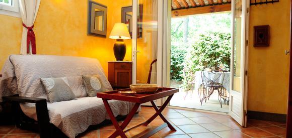 Suite  pour deux personnes avec piscine privative chauffée en Provence