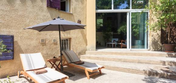 Gite pour deux personnes avec piscine privative chauffée en Provence