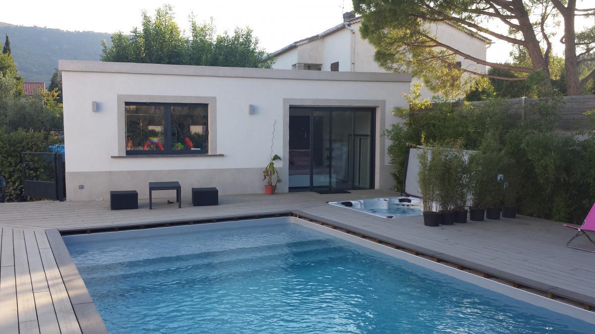 Chambre romantique pour deux avec jacuzzi et piscine, Sollies Pont