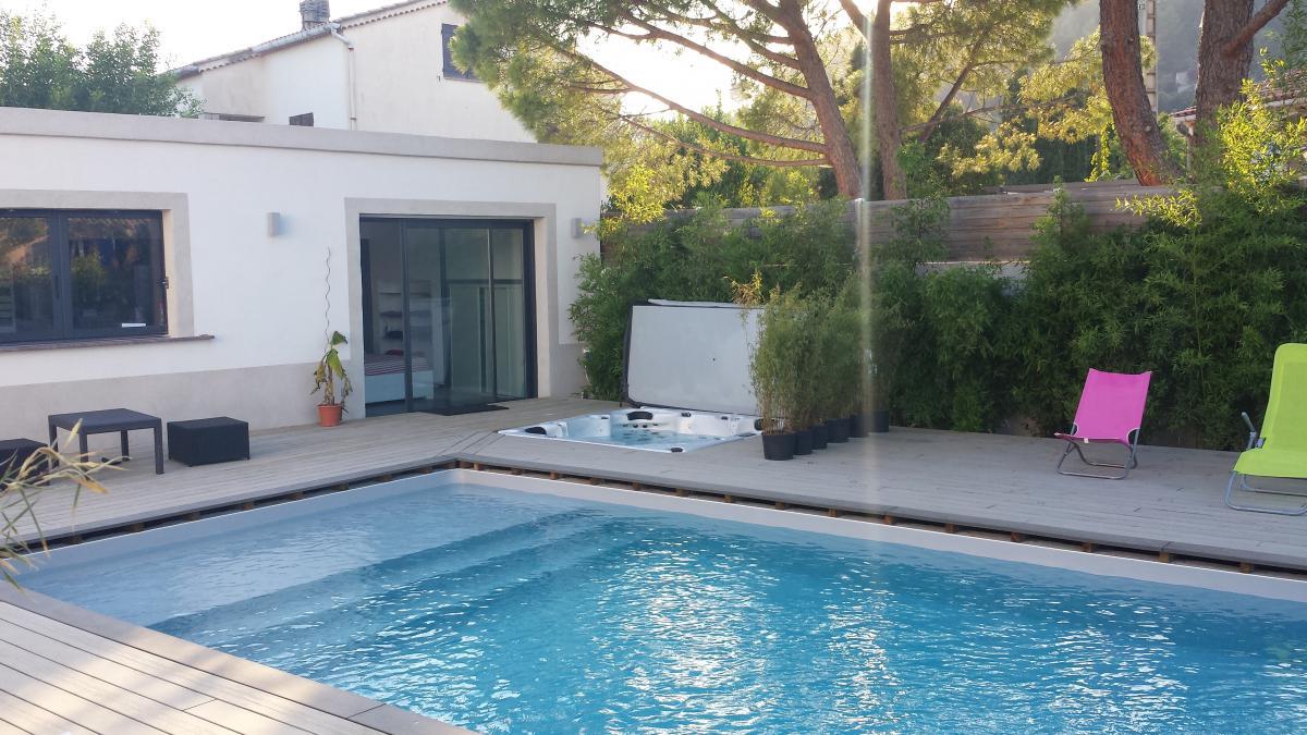Chambre romantique paca solutions pour la d coration int rieure de votre maison - Hotel avec piscine et jacuzzi dans la chambre ...