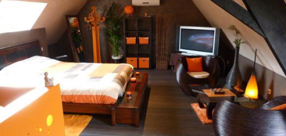Appartement romantique pour deux avec jacuzzi et sauna, Halluin