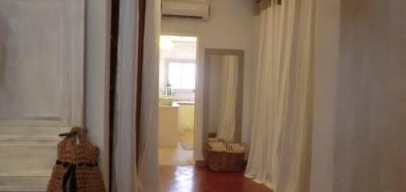 Maison de décoratrice, jacuzzi et piscine chauffée privatifs, Torreilles