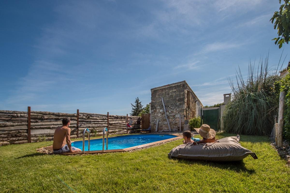 villa avec jacuzzi sauna et piscine priv e en camargue introuvable. Black Bedroom Furniture Sets. Home Design Ideas