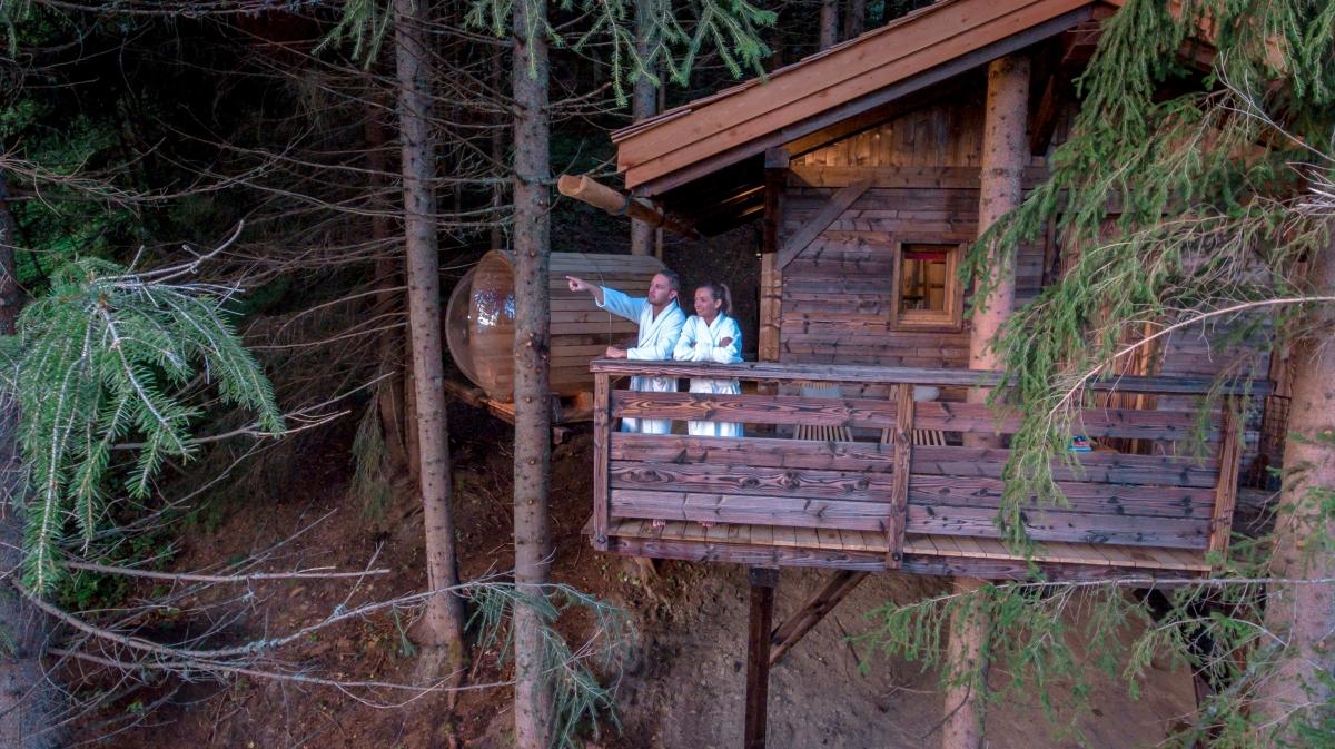 cabane mont blanc cabane de luxe avec jacuzzi et sauna. Black Bedroom Furniture Sets. Home Design Ideas