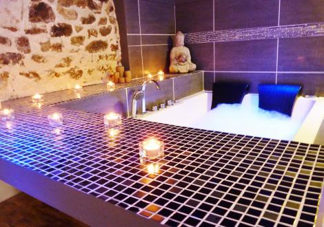 Chambre jacuzzi privatif lyon dcouvrez nos actualits with for Salon uv lyon