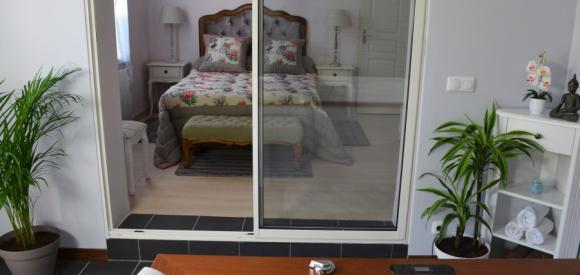 Loft avec chambre romantique et jacuzzi à Bordeaux