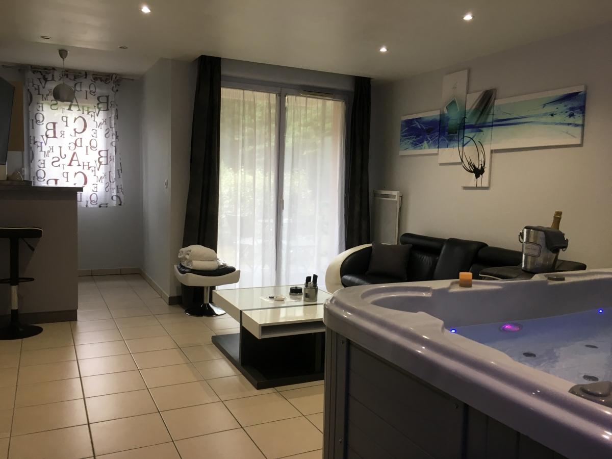 Appartement avec jacuzzi privatif à Toulouse, Haute Garonne ...
