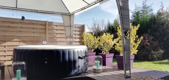 Suite haut de gamme avec jacuzzi privatif et vue sur les pyrénées, Haute Garonne