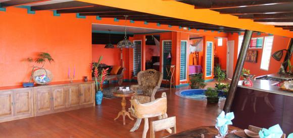Villa exotique et colorée, avec vue sur la mer et spa intérieur, Guadeloupe