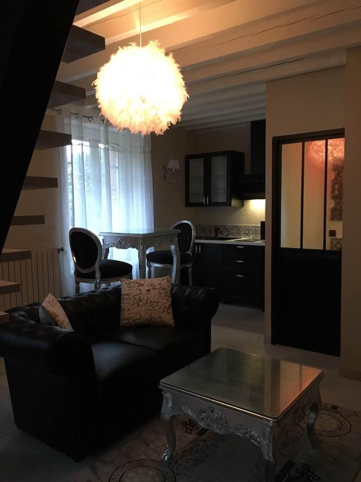 g te avec spa privatif et piscine proche de rennes. Black Bedroom Furniture Sets. Home Design Ideas