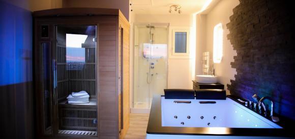 Maginifique appartement avec jacuzzi et sauna privatifs, Var, PACA,83, Saint Raphaël Côte d'Azur
