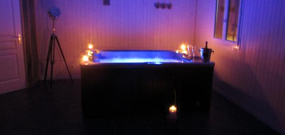 Chalet romantique avec Spa privatif, proche Brive