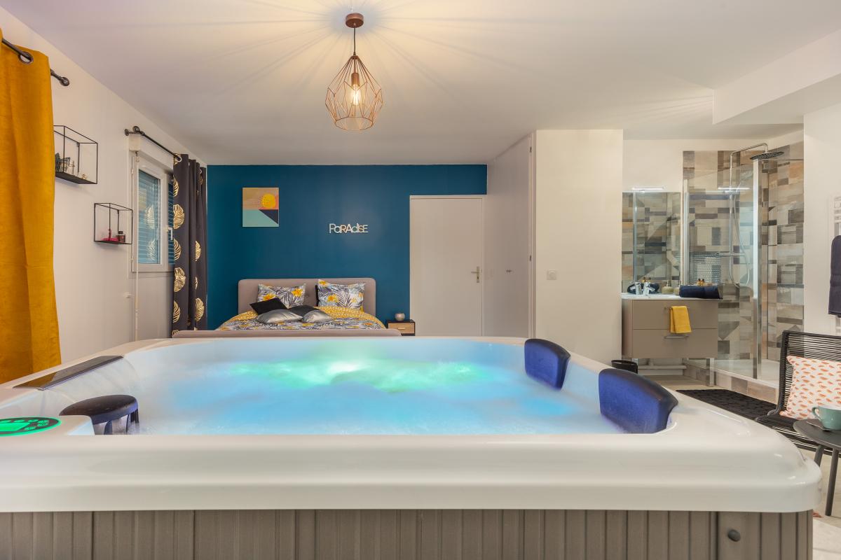 Suite SPA - Chambre luxueuse avec Jacuzzi Privé, Proche ...