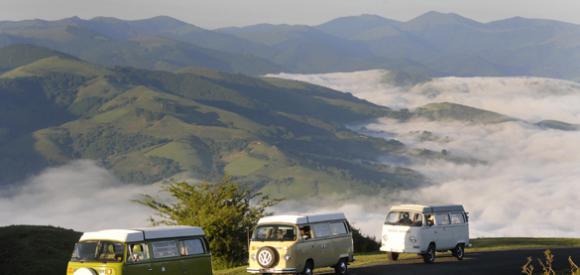 Partir et dormir dans un van aménagé Combi VW