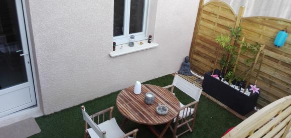 Chambre zen avec spa privatif et fauteuil massant, Beaucaire