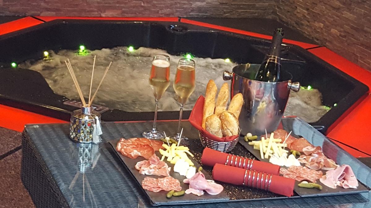 Chambre sexy avec jacuzzi privatif bouches du rhone introuvable - Chambre sociale aix en provence ...