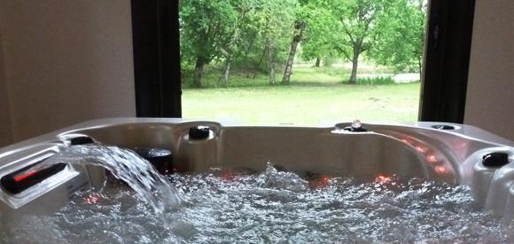 Gîte en forêt Landaise avec jacuzzi d'intérieur privé, 45 min d'Arcachon