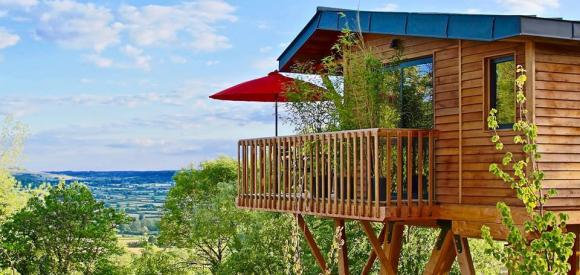 Cabane luxe avec vue panoramique et spa privatif, en Bourgogne