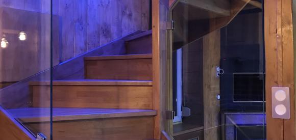 Duplex de luxe ambiance chalet avec jacuzzi et sauna privatif, villeurbanne