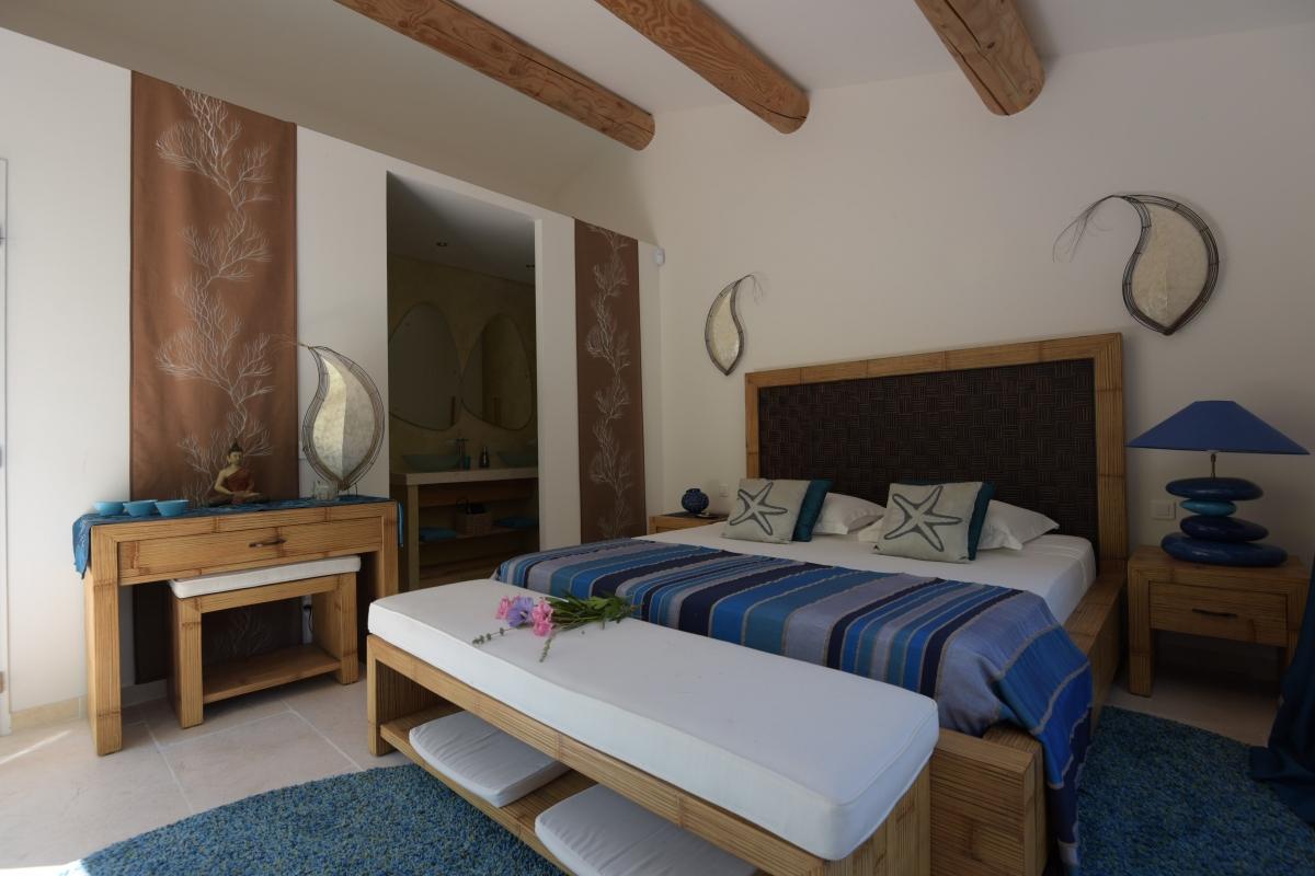 Chambre romantique paca avec des id es int ressantes pour la conception de la chambre for Chambre romantique paca