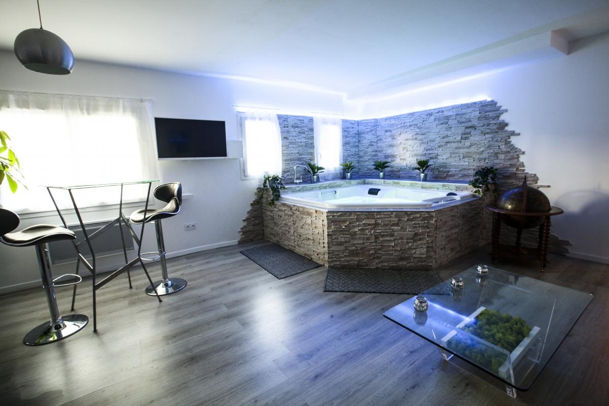1 nuit chambre avec jacuzzi enredada - Hotel avec spa dans la chambre paca ...